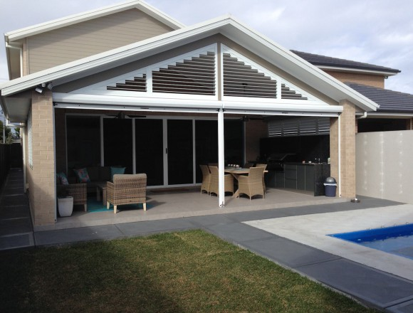 awnings for an outdoor entertaining area - IMG_4244