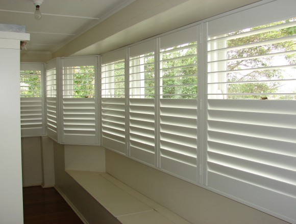 bay window shutters - DSC04749