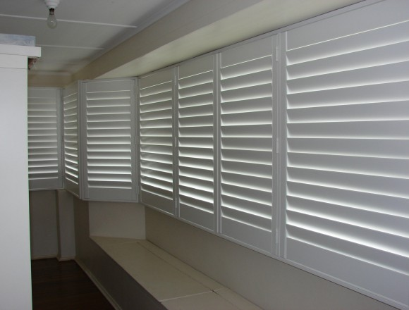 bay window shutters - DSC04750