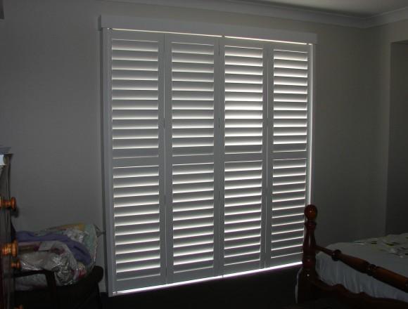 bi fold shutters for sliding glass external doorway - DSC05434