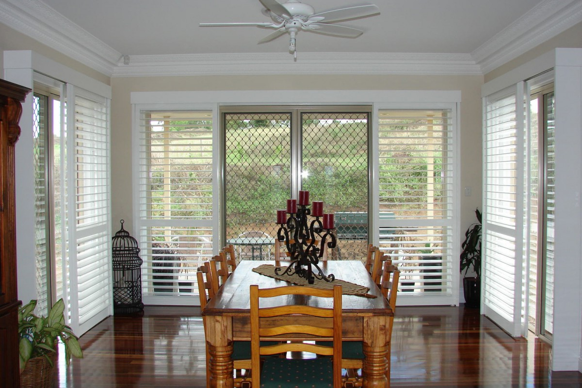 bypass shutters on dining room windows - DSC05611