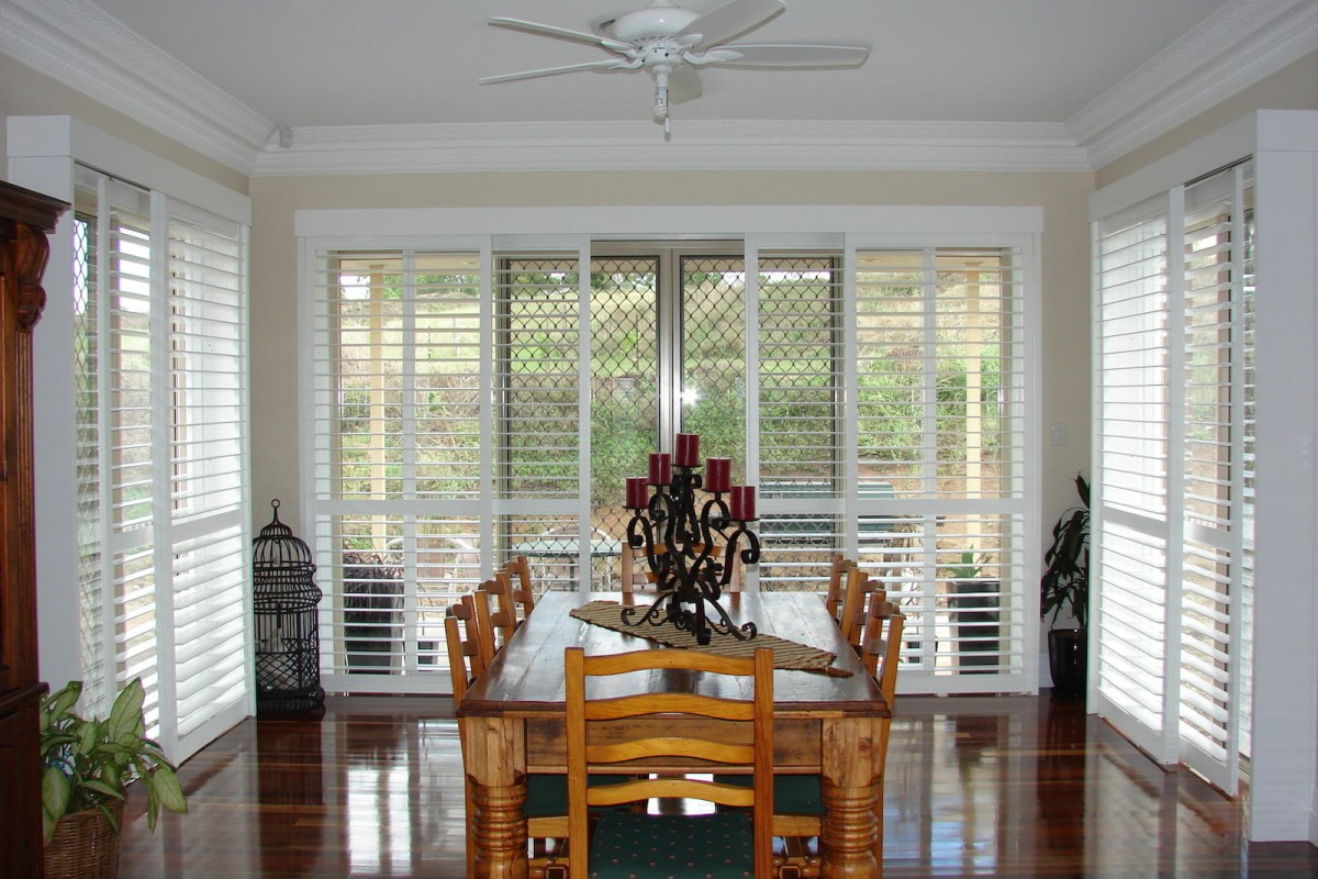 bypass shutters on dining room windows - DSC05612