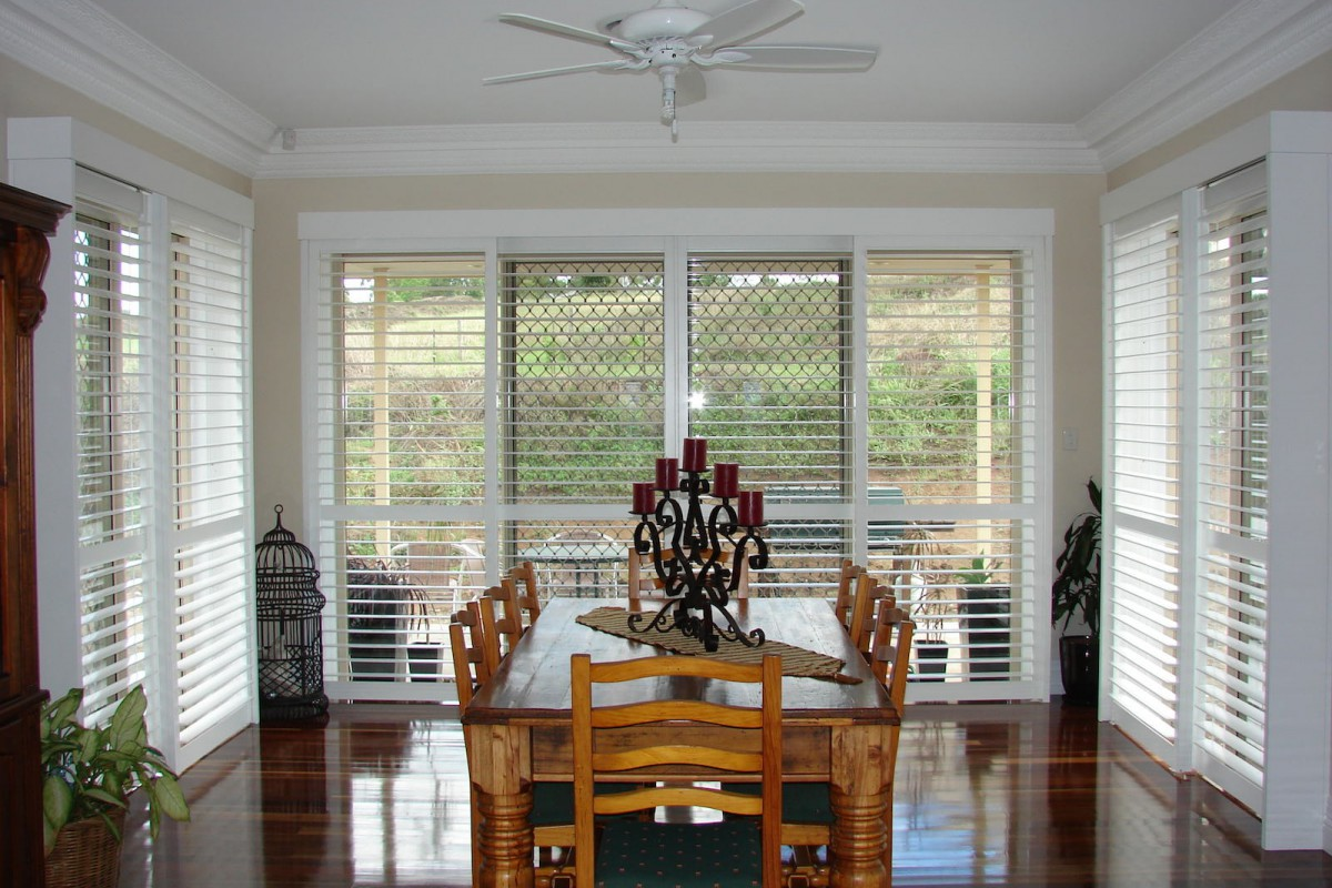bypass shutters on dining room windows - DSC05613