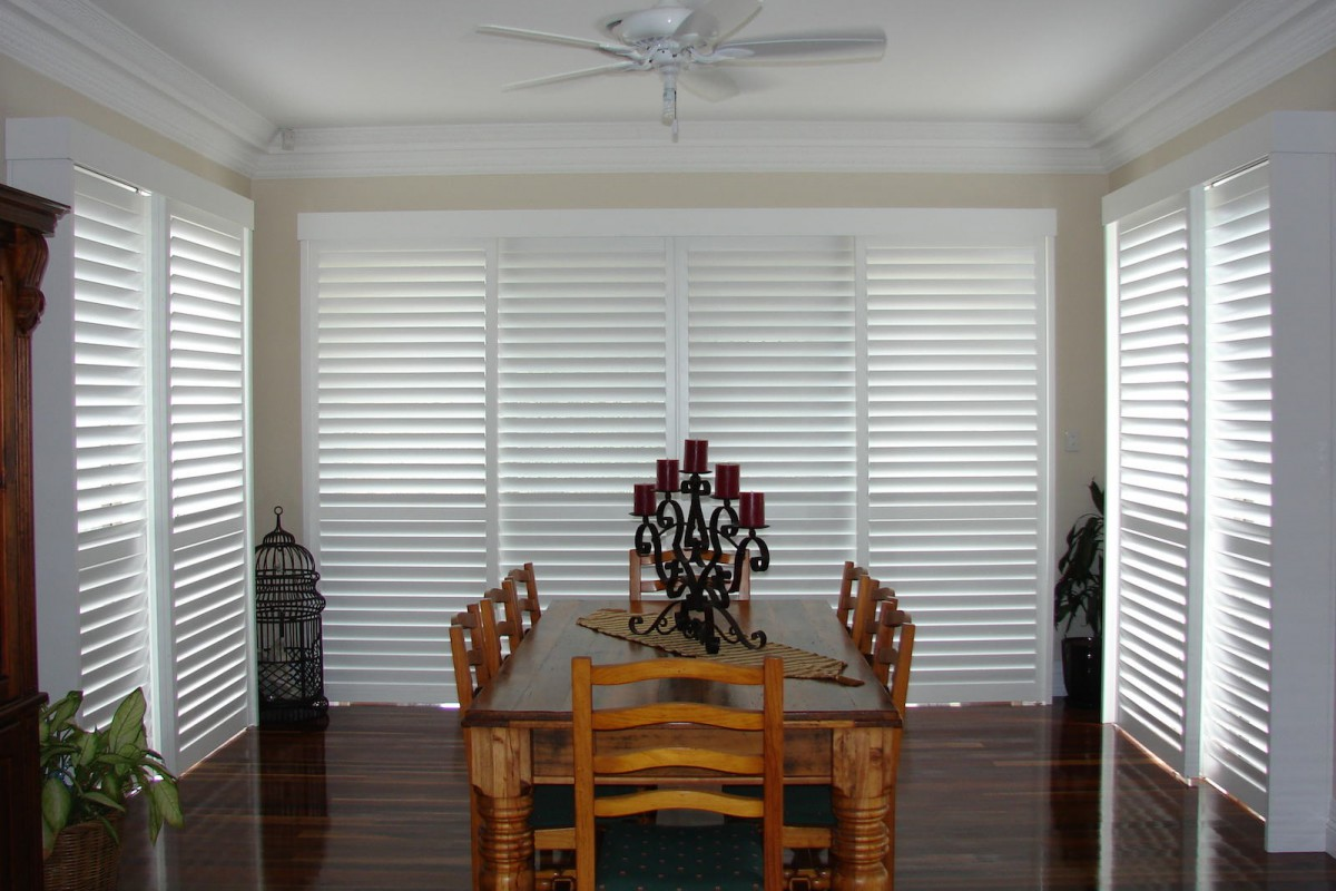 bypass shutters on dining room windows - DSC05616