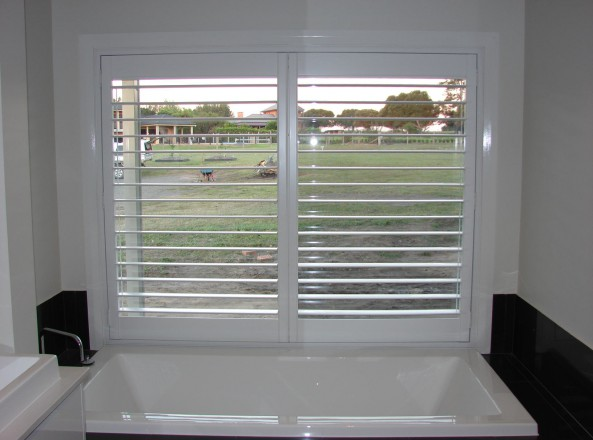 custom made shutters for a raised bath window - DSC05531