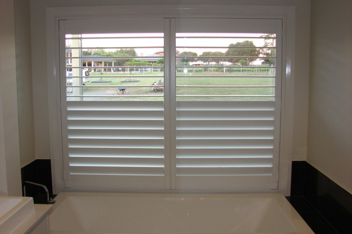 custom made shutters for a raised bath window - DSC05532