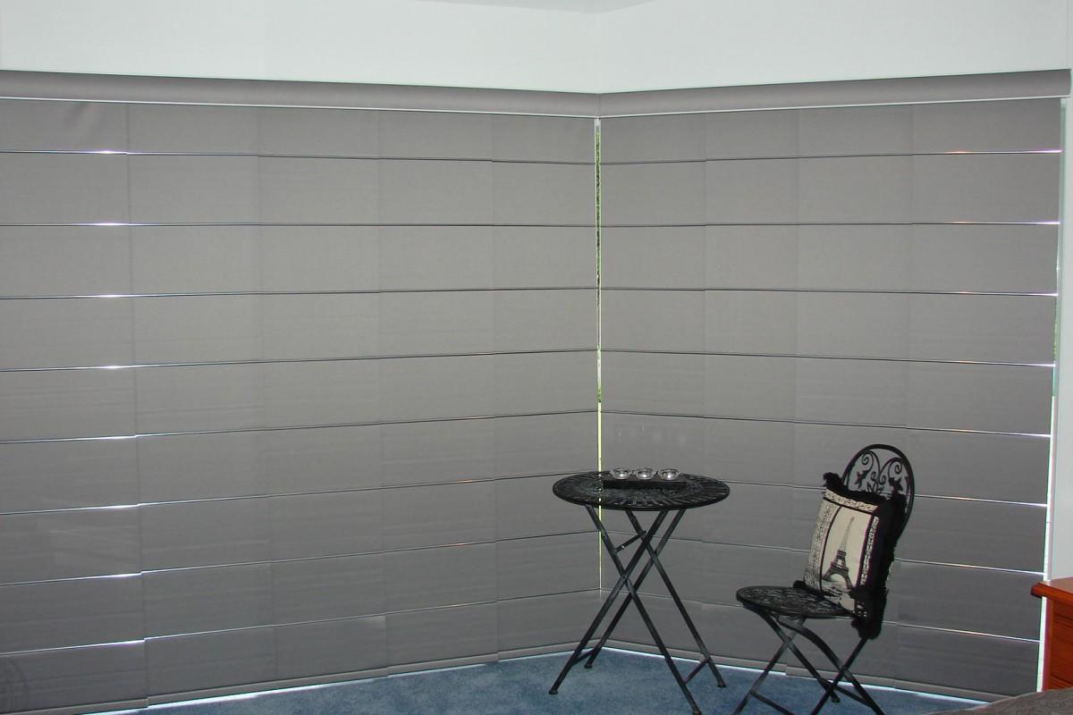 panel glides corner windows - DSC04766