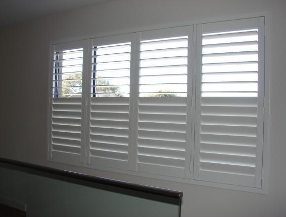 plantation shutters - DSC06031