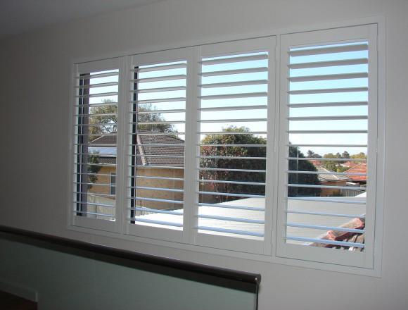 plantation shutters - DSC06032