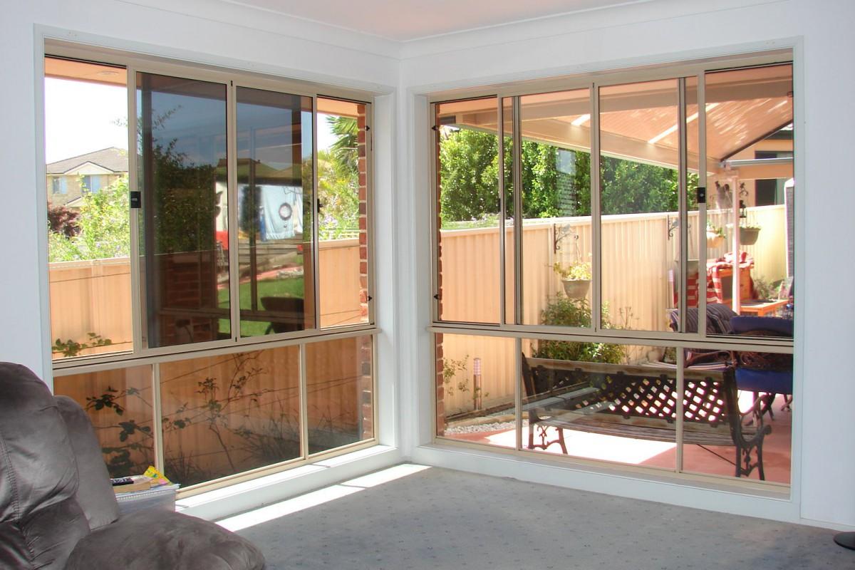 plantation timber shutters - DSC04302