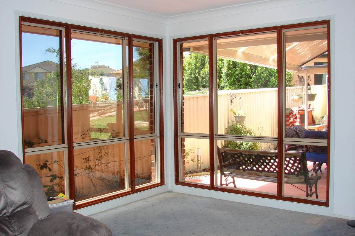 plantation timber shutters - DSC04303