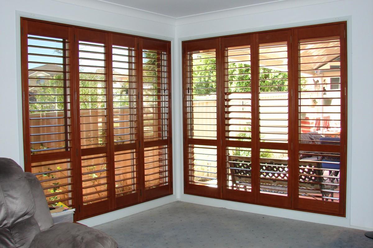 plantation timber shutters - DSC04304