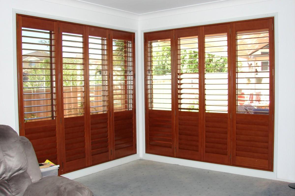 plantation timber shutters - DSC04305