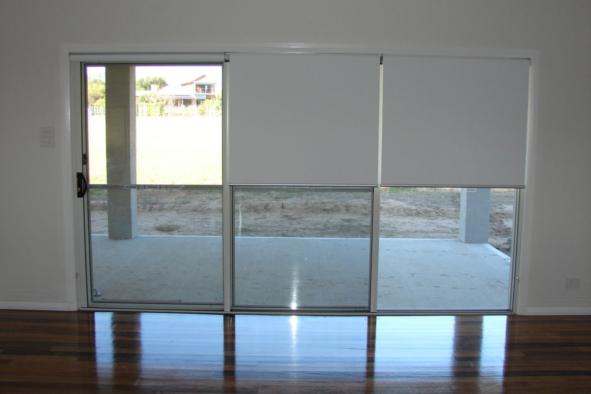 triple roller blinds for glass sliding doors - 02
