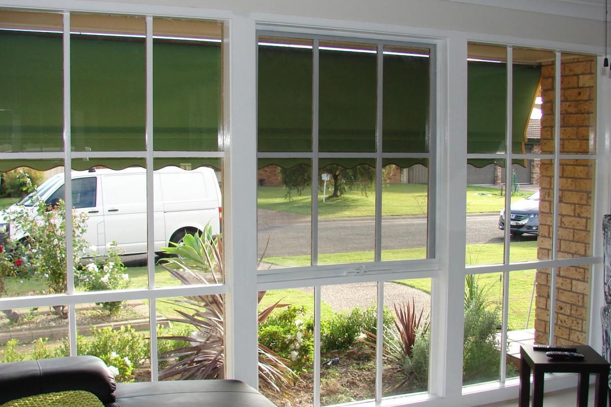 venetian blinds for three front house windows - DSC05791