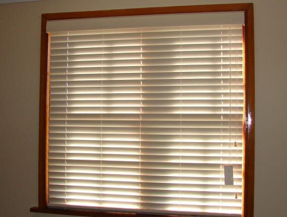 venetian blinds on a timber frame window - DSC05830