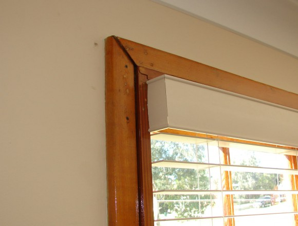 venetian blinds on a timber frame window - DSC05833
